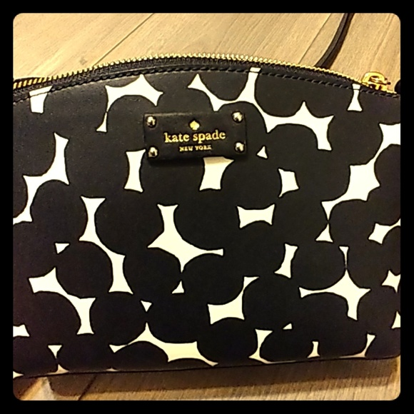 kate spade Handbags - Kate Spade cross body purse